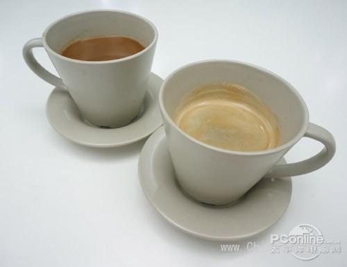左为速溶咖啡 右为现磨咖啡