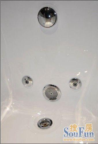 箭牌然•木系列按摩浴缸中的按摩出水孔