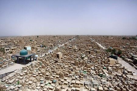 世界上最大墓地 1400年埋葬500万人