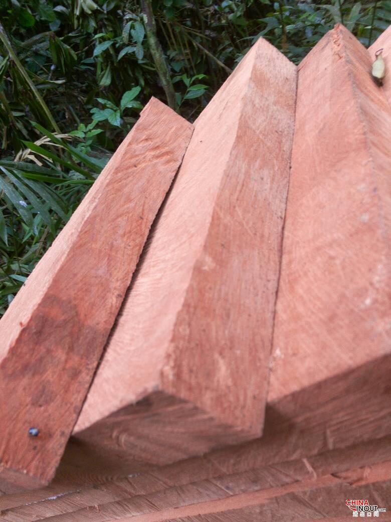 doussie wood3