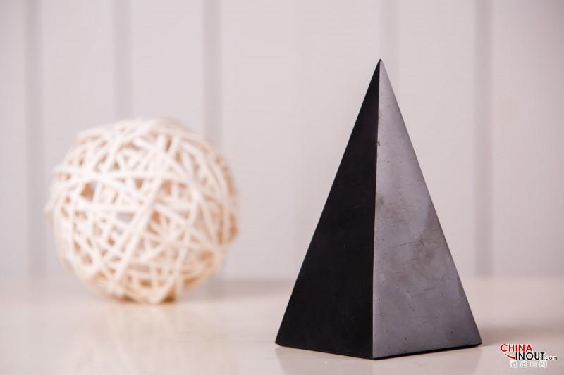 Pyramids 4
