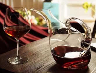 中國市場上進口葡萄酒的經濟生態